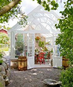 Wintergarten Landhausstil Einrichten Holz-Konstruktion Garten-Pavillon Weiß
