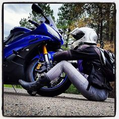Motorcycles, bikers and more: Fotos Yamaha Yzf R6, Kawasaki Ninja, Biker Girl, College Outfits, Bike Life, Sport Bikes, Motocross, Supersport, Helmet