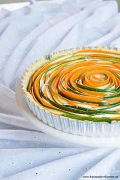 Tarte Fleur salée Carottes-Courgettes comme une rose (Salzige Tarte Möhren-Zucchini wie eine Rose) - Französisch Kochen by Aurélie Bastian