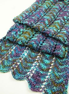 Simple Chevron Scarf By Aimee Alexander - Free Knitted Pattern - (ravelry)