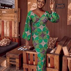 Hello Fashionistas Today we bring you latest and most beautiful 2019 Beautiful And Trending Ankara Long Gowns For Ladies. African Fashion Ankara, African Wear, African Dress, Mode Origami, Latest Ankara Styles, Long Gowns, Dress Styles, Work Clothes, Skirt Fashion