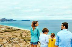 Com uma extensa praia de 9 quilômetros de areias douradas e águas com diferentes tons de azul, Porto Santo é um verdadeiro refúgio para os viajantes que querem tranquilidade e uma bela vista do Atlântico.