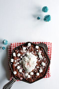 Candy Cane Marshmallow Skillet Brownie   Hungry Girl Porvida