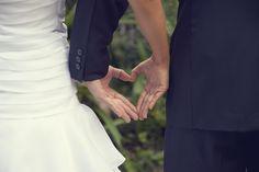 Los detalles en la fotografía de bodas no se pueden olvidar, por esta razón les presentamos algunas fotos de los eventos en los que ha tenido la oportunidad de estar Agustín Bedoya Fotografía y Video. www.agustinbedoya.com Fotografos de Bodas en Medellín-Colombia Wedding Ideas, Wedding Videos, Forget, Opportunity, Events, Photos