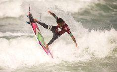 Com direito a mais um 10, Filipinho Toledo dá show e conquista a etapa do Rio do Mundial de Surf - 17/05/2015