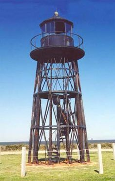Present day photograph of Mobile Point Lighthouse, Alabama at Lighthousefriends.com