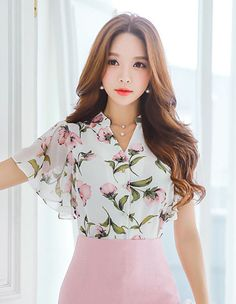Korean Women`s Fashion Shopping Mall, Styleonme. New Arrivals Everyday and Free International Shipping Available. Blouse Styles, Blouse Designs, Suit Fashion, Fashion Dresses, Sleeves Designs For Dresses, Korean Fashion, Designer Dresses, Casual Dresses, Clothes For Women