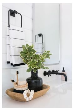 Decor Decor apartment Decor diy Decor elegant Decor ideas Decor ideas colors Decor ideas small Decor master Decor modern Decor pink Bathroom Decor Bathroom Decor Bathroom Decor A Large Master Bathroom Designed with Personality Shower Alcove, Shower Niche, Shower Mirror, Bath Shower, Bath Tub, White Master Bathroom, Master Bathrooms, Bathroom Black, Neutral Bathroom
