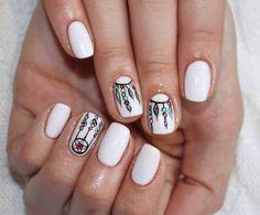 Маникюр с рисунком на короткие ногти фото №14