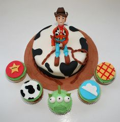 Woody toy story cake with matching cupcakes! All decoration handmade from fondant 100% edible By mcquilli vanilli - check out fb http://m.facebook.com/photo.php?fbid=378014135584380=169145163137946=a.378014115584382.102986.169145163137946=17