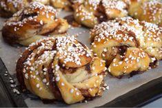 Nattjästa kanelbullar - Victorias provkök Doughnut, Victoria, Sweets, Desserts, Recipes, Food, Pastries, Sweet Pastries, Tailgate Desserts