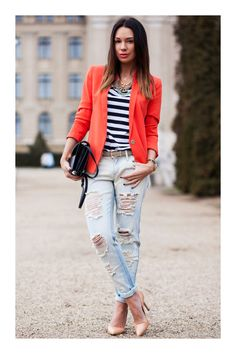 25 Marvelous Picture of How To Wear Distressed Jeans For Women Plus Size . How To Wear Distressed Jeans For Women Plus Size What To Wear With Ripped Jeans 2018 Fashiongum Stylish Street Style, Street Style Looks, Street Style Women, Street Chic, Urban Apparel, Look Fashion, Fashion Outfits, Fashion Trends, Fashion Finder