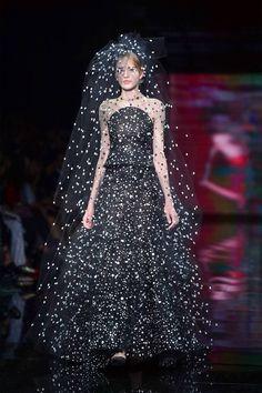 54b85facf2 78 imágenes geniales de VALENTINO - Diseñador de moda Italiano en ...