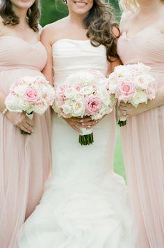 Baby's Breath Wedding Flowers, Country Wedding Flowers, Bright Wedding Flowers, Romantic Wedding Flowers, Summer Wedding Bouquets, Cheap Wedding Flowers, Wedding Dress, Wedding Flower Decorations, Green Wedding