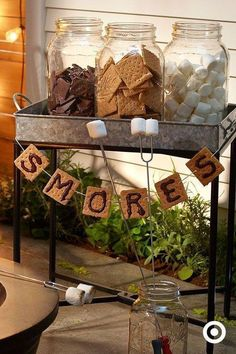 S & M Bar - sweet dessert buffet idea for a camping party.- S & M Bar – süße Dessertbuffet-Idee für eine Campingparty. S & M Bar – sweet dessert buffet idea for a camping party. Camping Parties, Grad Parties, Birthday Parties, Bonfire Birthday Party, Camping Themed Party, Outdoor Graduation Parties, Birthday Bbq, Themed Parties, 14 Birthday Party Ideas