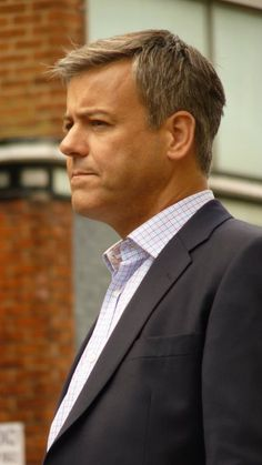 Rupert Graves Behind the Scenes Sherlock - Ovaries will Explode