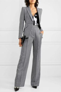 Women S Fashion Trivia Questions Workwear Fashion, Suit Fashion, Work Fashion, Runway Fashion, Fashion Outfits, Mode Costume, Office Outfits Women, Pantsuits For Women, Business Dresses