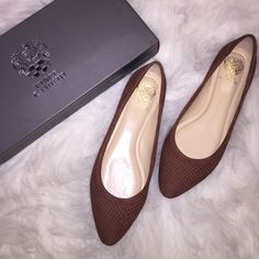 Vince Camuto Chestnut Flats in Size 7 ✅ Brand New And Never Vince Camuto Chestnut Flats ✅ Size 7 - True to Size  ✅ Comes with Original Box Vince Camuto Shoes Flats & Loafers