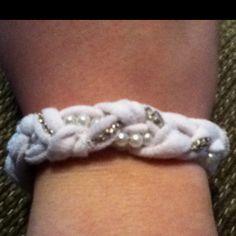 DIY tshirt bracelette
