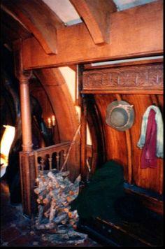 study movie bag end Hobbit Hole, The Hobbit, Fairy Village, Bilbo Baggins, New Hobbies, Cosy, Building A House, House Plans, Places