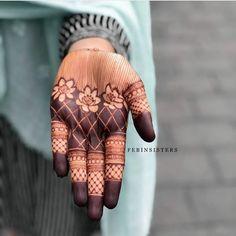 Latest Henna Designs, Henna Art Designs, Indian Mehndi Designs, Mehndi Designs 2018, Mehndi Images, Mehndi Designs For Hands, Latest Mehndi, Round Mehndi Design, Simple Henna Tattoo