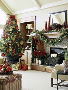 Christmas girlander and christmas tree in urn ( i love the tree in a urn such a good idea !) - decorating-by-day Christmas Mantels, Noel Christmas, Merry Little Christmas, All Things Christmas, Winter Christmas, Christmas Tree In Urn, Traditional Christmas Tree, Theme Noel, Beautiful Christmas