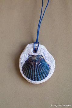 Καλοκαιρινά μενταγιόν με κοχύλια. - To Cafe tis mamas Seashell Crafts, Summer Fun, Sea Shells, Diy, Bricolage, Conchas De Mar, Seashells, Shells, Handyman Projects