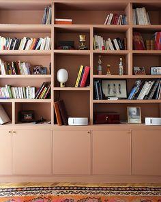 H l ne Charles - Inside Closet Office Bookshelves, Living Room Bookcase, Basement Inspiration, Desk Inspiration, Vinyl Diy, Home Interior, Interior Design, Bibliotheque Design, Built In Cabinets