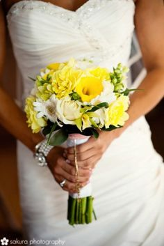 A similar type of bouquet for the bridesmaid, white, yellow and green. Would like it smaller than pictured and without calla lilies because they are expensive! Would need 4 bridesmaid bouquets. Daffodil Wedding, Floral Wedding, Wedding Colors, Wedding Flowers, Wedding Bells, Yellow Bouquets, Yellow Flowers, Spring Wedding, Dream Wedding