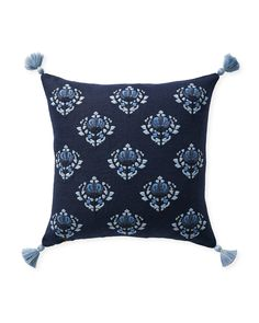 47 Jackie Guest Room Ideas Guest Room Throw Pillow Collections Blue And White Bedding