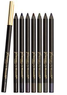 Creion GlideLiner pe bază de gel, bogat în culori, ce rezistă pe tot parcursul zilei, fără să se întindă. Bazat pe o formulă cu Vitamina E, rezistent la apă, creionul alunecă fluent şi neted, fiind uşor de aplicat. Disponibil în 8 culori pentru a oferi cele mai rafinate priviri. www.extensii-gene.ro