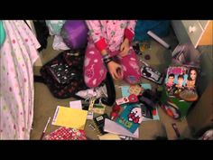 CLEANING MY MESSY ROOM