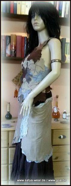 ledertop aus kleinen blättern Goa, Outfit, Sari, Fashion, Middle Ages, Leather, Outfits, Saree, Moda