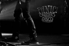 LIVE REVIEW: Panic At The Disco