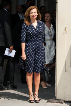 Valerie Trierweiler Photos - Valerie Trierweiler seen arriving at Chanel Haute Couture Fall-Winter fashion show during the Paris Fashion Week. - PFW: Arrivals at the Chanel Runway Show Work Fashion, Paris Fashion, Fashion Show, Royal Style, My Style, Chanel Runway, Royal Fashion, Fall Winter, Shirt Dress