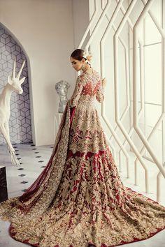 SIRENE – Suffuse Pakistani Bridal wear Source by Wedding Dresses Beautiful Bridal Dresses, Asian Bridal Dresses, Asian Wedding Dress, Indian Bridal Outfits, Indian Bridal Wear, Pakistani Wedding Dresses, Bridal Gowns, Asian Bridal Hair, Indian Wedding Sari