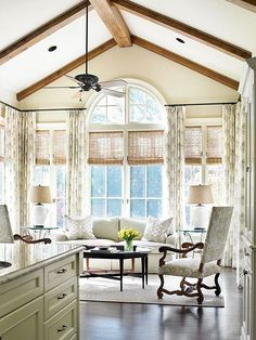 Sun room windows A sitting room just off the kitchen is outfitted in the same creams and taupes, tying the two rooms together. Light-color fabrics are balanced by dark wood furniture and a ceiling with wood beams. Dark Wood Furniture, Kitchen Living, Kitchen Keeping Room, Kitchen Sitting Areas, Room Kitchen, Kitchen Decor, Home Interior, Interior Ideas, Great Rooms