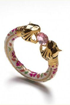 http://ak2.scstatic.net/1/cdn2-cont2.sweetcouch.com/1795575-royal-bengal-amulet.jpg