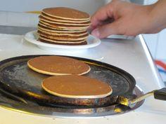 Waffles, Pancakes, Pastry Cake, Homemade Christmas, Bread Baking, Crepes, Cake Recipes, Bakery, Brunch