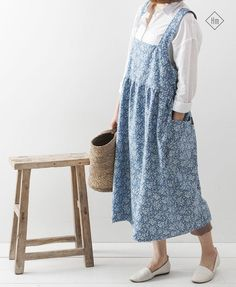 Blue Denim Cross Back Apron in Floral Printing Pinafore Apron Denim Long Apron Japanese Style Apron Florist Aprons Square Cross Apron Love Fashion, Korean Fashion, 6 Months Pregnant, Pinafore Apron, Sewing Magazines, Work Aprons, Blue Denim, Look, Midi Skirt