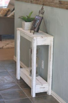 Trendy small rustic wood projects entry ways Diy Pallet Furniture, Farmhouse Furniture, Furniture Projects, Rustic Furniture, Furniture Movers, Furniture Storage, Cheap Furniture, Scrap Wood Projects, Diy Pallet Projects