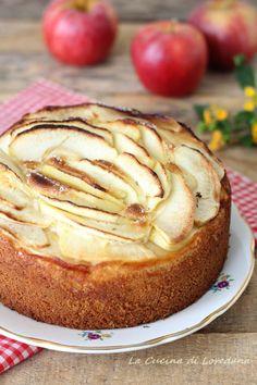 Torta di mele della nonna - La più soffice e anche la più buona My Dessert, Coffee Break, Biscotti, Camembert Cheese, Great Recipes, Cheesecake, Buffet, Sweet Tooth, Sweet Treats