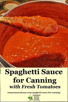 Slow cooked and loaded with flavor, this homemade canning spaghetti sauce is a great way to preserve the harvest. Never buy sauce from the store again. recipe sauce Spaghetti Sauce for Canning Made with Fresh (or Frozen) Tomatoes Home Canning Recipes, Cooking Recipes, Healthy Recipes, Pressure Canning Recipes, Kale Recipes, Dishes Recipes, Orange Recipes, Chili Recipes, Canning Vegetables