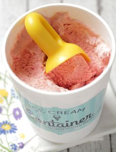 Forgot the store-bought ice cream? Homemade Strawberry Ice Cream is so easy to make and super healthy!