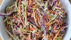 Zac Posen's mizuna and avocado salad with creamy cashew-ginger dressing - Cityline Avacado Dressing, Creamy Salad Dressing, Avocado Salad, Big Mac, Spinach Pasta Recipes, Coleslaw Recipe Easy, Edgy Veg, Appetizer Salads, Appetizers