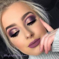 Eye Make-up - Purple cut crease. Dramatic eye makeup Eye Make-up – Purple cut crease. Dramatic eye makeup Eye Make-up – Purple cut crease. Purple Smokey Eye, Purple Eye Makeup, Dramatic Eye Makeup, Eye Makeup Tips, Smokey Eye Makeup, Glam Makeup, Party Makeup, Skin Makeup, Makeup Inspo