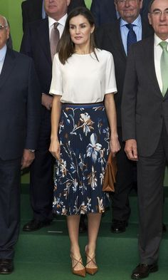 Royal style: Best-dressed royals, royal fashion, royals in the FROW - June 2018 - HELLO! Princess Letizia, Queen Letizia, Princess Mary, Day Dresses, Nice Dresses, Prom Dresses, Fashion Idol, Fashion Photo, Style Fashion