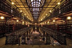 B 74136 – Mortlock Chamber, State Library of South Australia, 2010 © Image courtesy of the State Library of South Australia