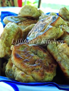 LJILJANA'S KITCHEN: INTEGRALNI UŠTIPCI Vegan Recipes, Cooking Recipes, Lchf, French Toast, Muffin, Food And Drink, Appetizers, Bread, Breakfast
