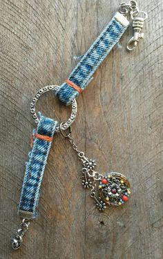 One of a kind blue jean cuff bracelet Handmade Bracelets, Jewelry Bracelets, Jewelery, Handmade Jewelry, Denim Bracelet, Denim Earrings, Diy Old Jeans, Jewelry Closet, Denim Crafts